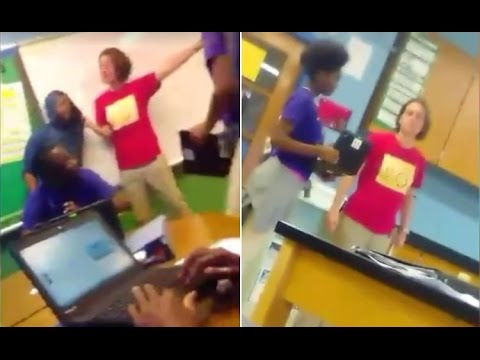 teacher-caught-on-video-calling1