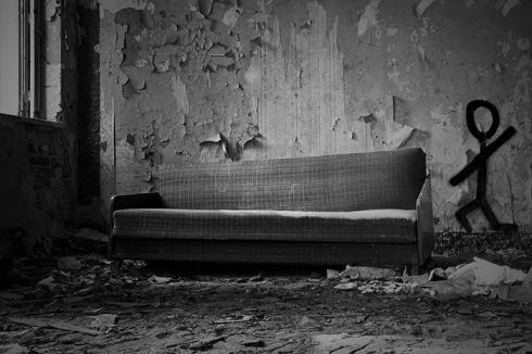 atcq-dis-generation-couch[1].jpg