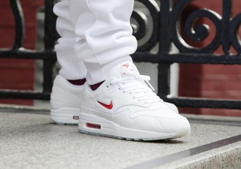 Nike-Air-Max-1-Jewel-white-red-1.jpg