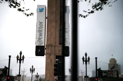 twitter-charging-users-1495554572-640x427.jpg