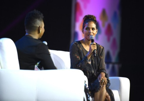 halle-berry-essence-festival-2017-1-1499176397-640x448